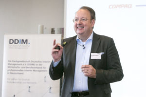 Dr. Jürgen Meffert referiert über die Digitalisierung für den Mittelstand beim DDIM.kongress