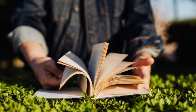 9 spannende Business-Bücher für den Sommer 2020 – Zeit für strategisches Umdenken