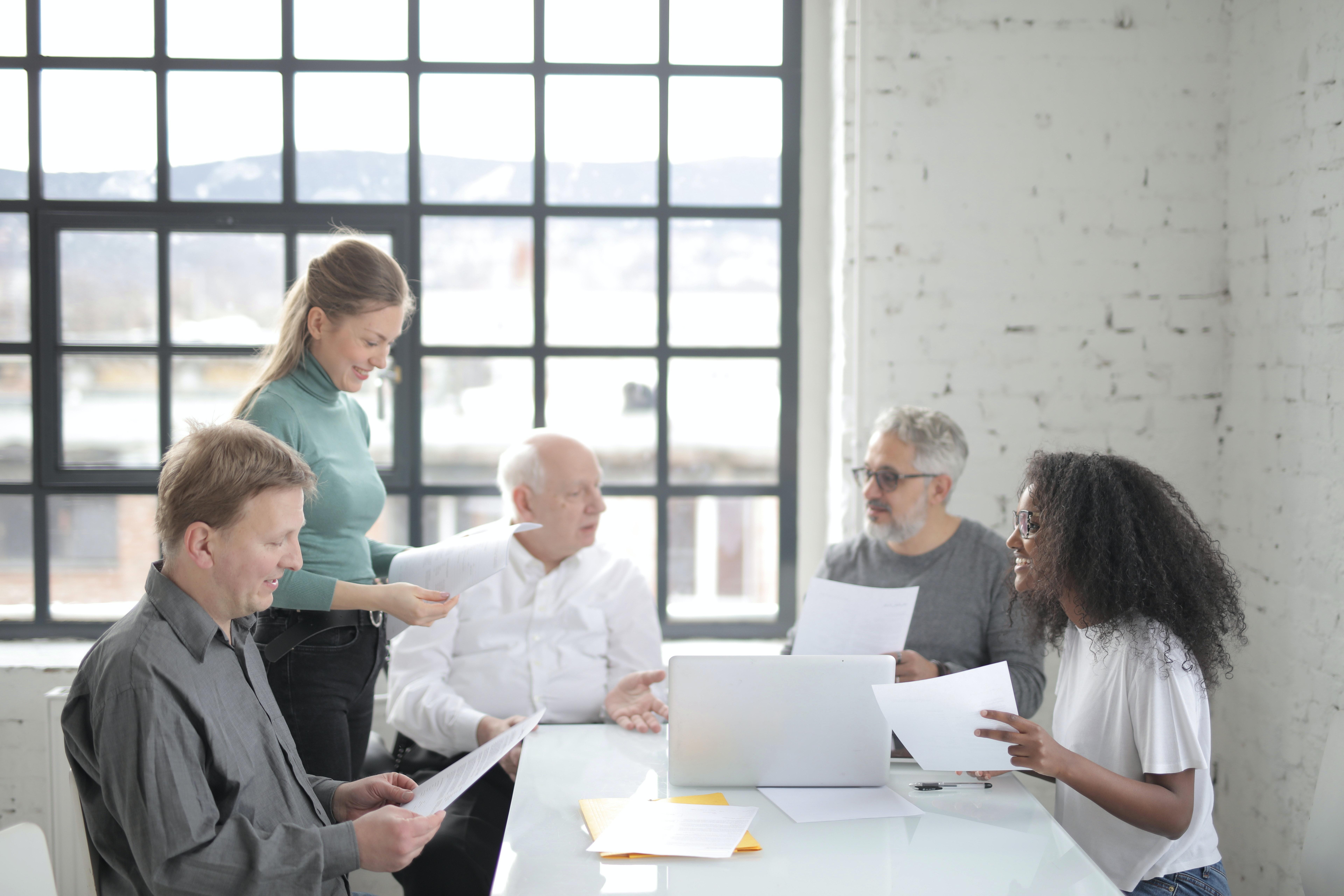 KI-Wissenstransfer. Studenten und Unternehmen in Dialog