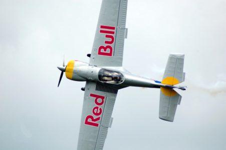 Red Bull Flugzeug